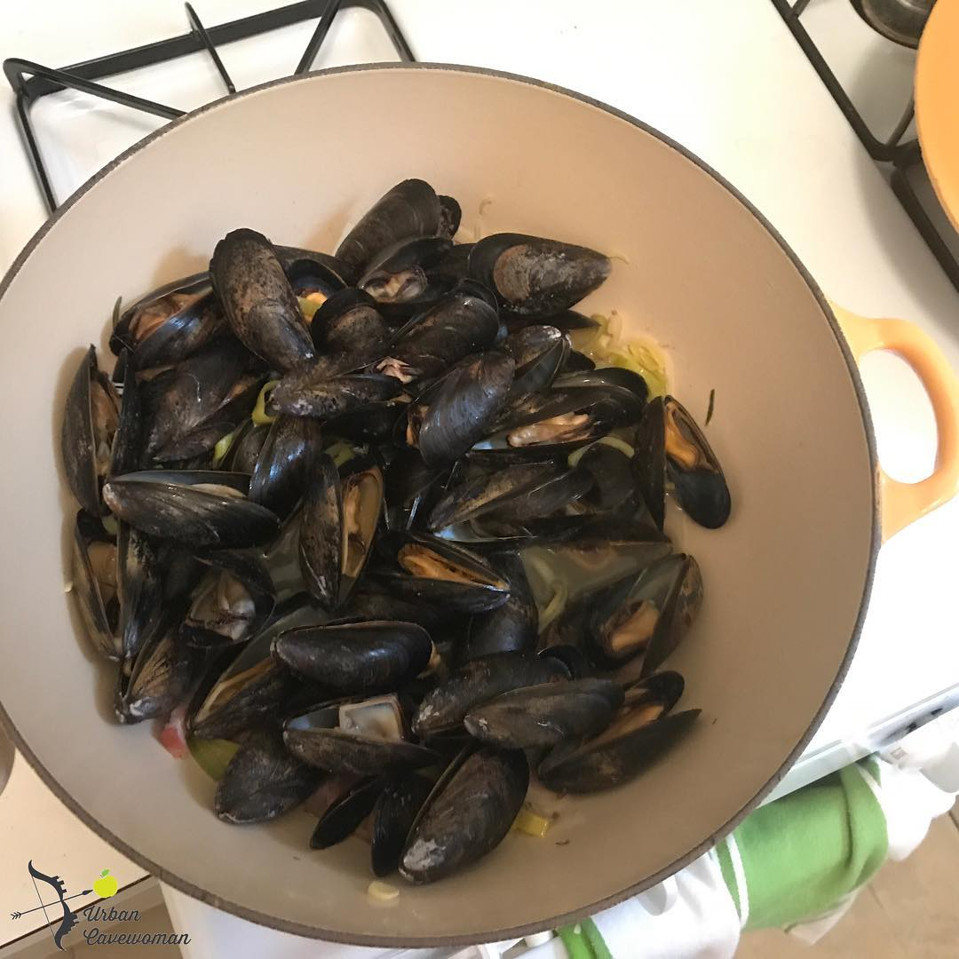 Friday night mussels A goto favorite for hot summer nightshellip
