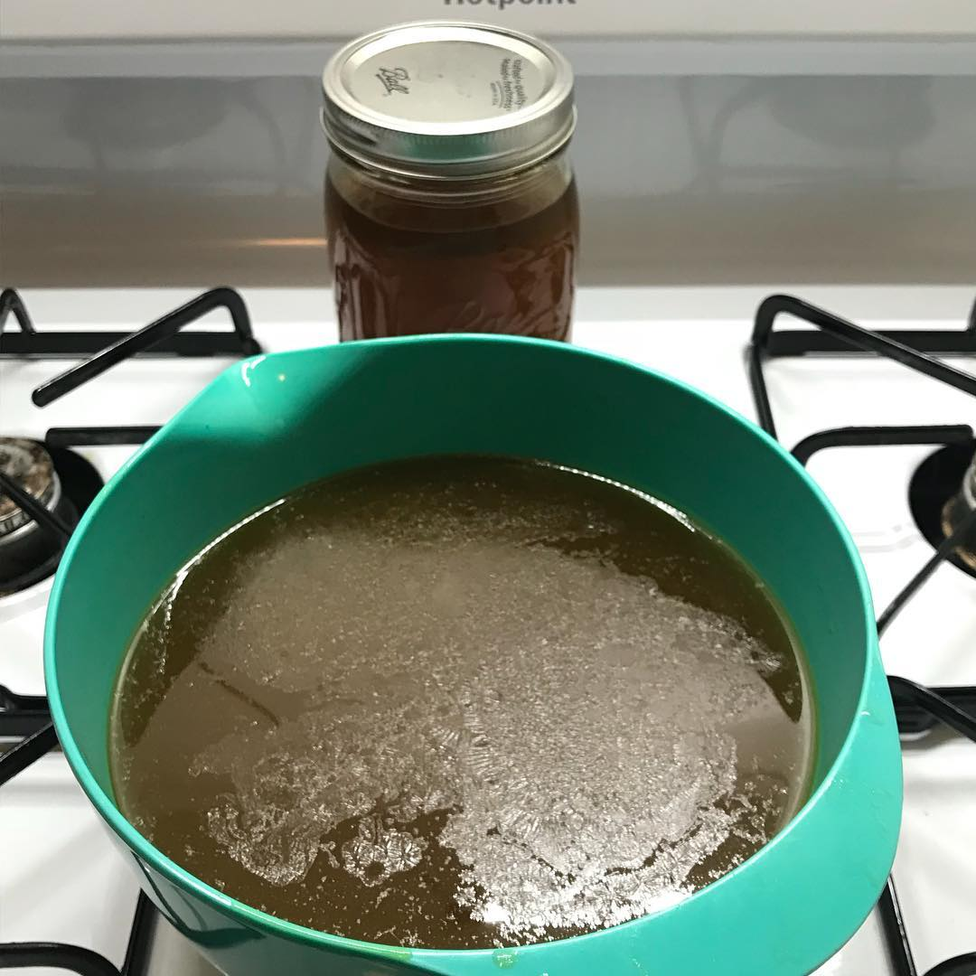 Bone broth ready!!!      glutenfree paleohellip